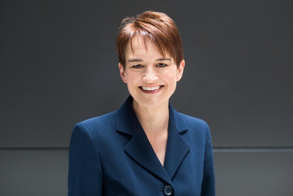 Elizabeth Hughes, Certified Financial Planner